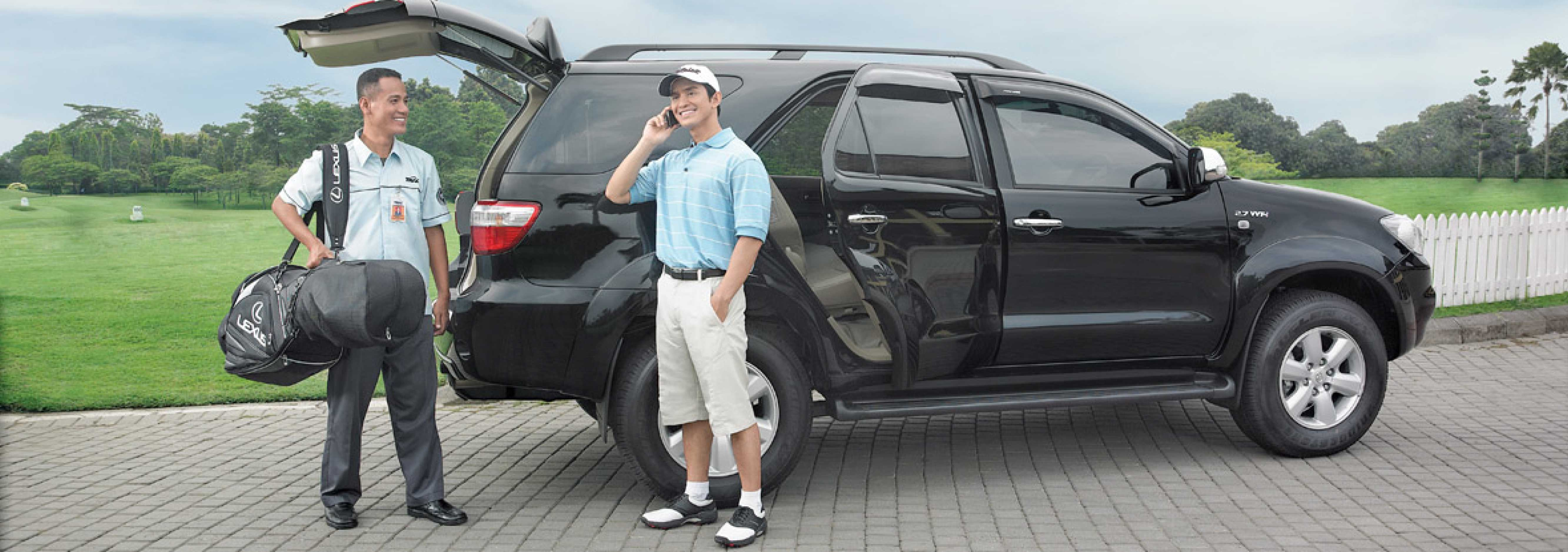 car rental services with driver